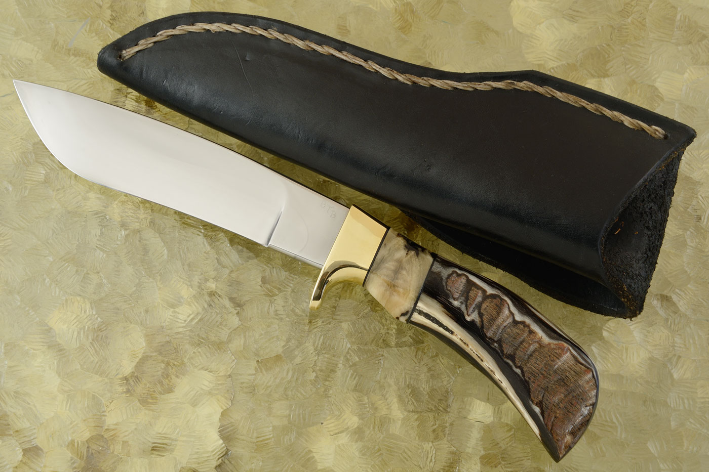 Black Pronghorn Camp Knife (6-2/3