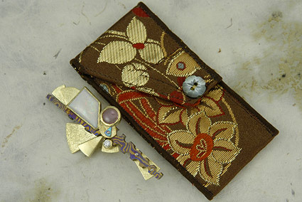 Shamisen Art Broach