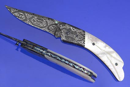 Sculpted Whitelip Mother of Pearl Gentleman's Folder