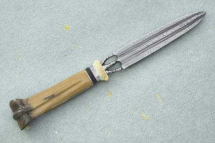 Metacarpal Dagger