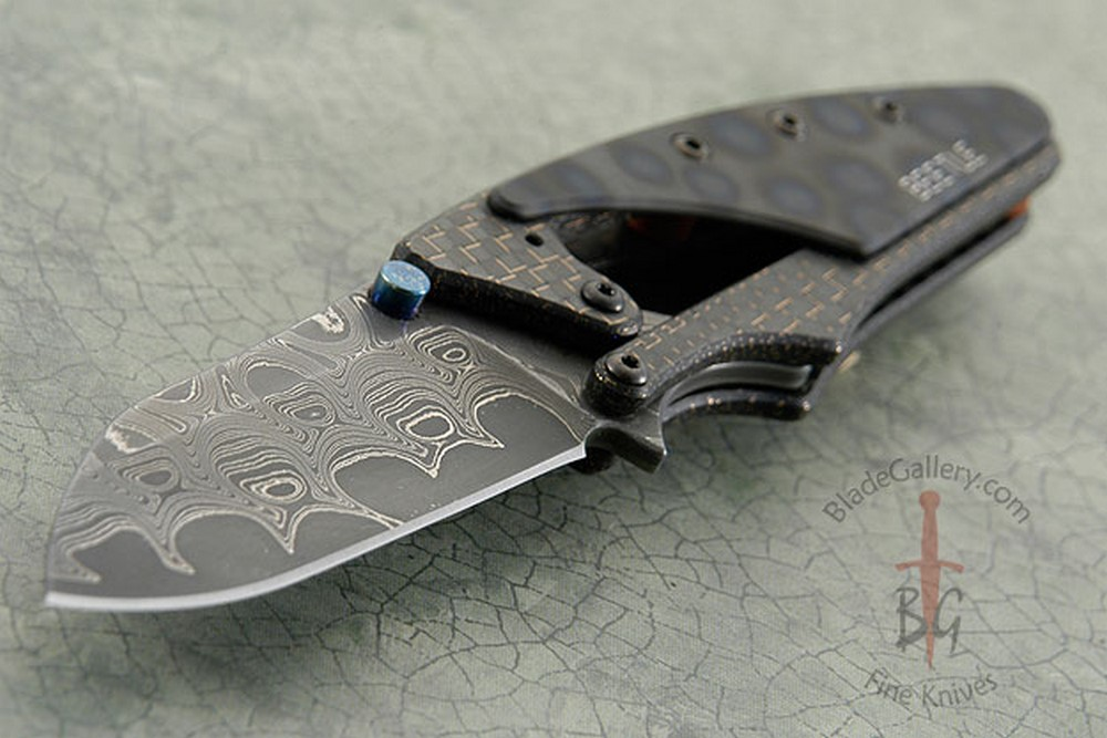 Beetle - San Mai Damascus with Lightning Strike Carbon Fiber
