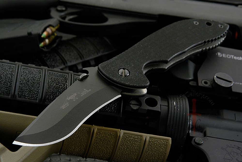 Commander BT<br><i>Best Overall Knife of the Year</i>