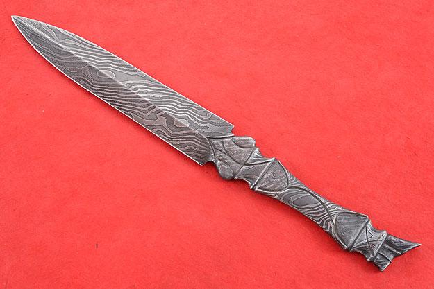 Asymmetrical Integral Dagger