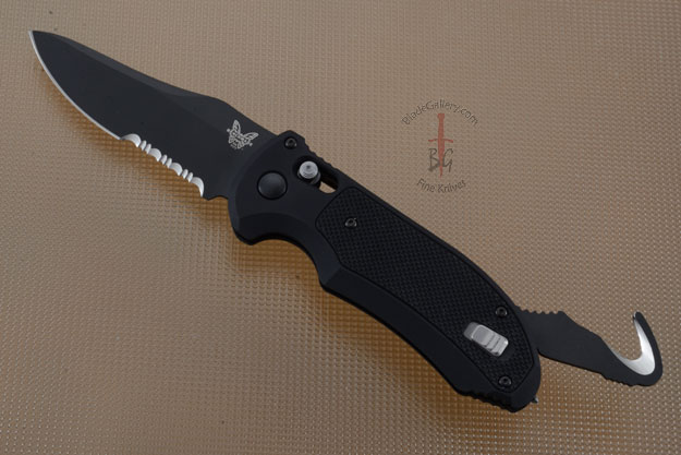 Auto Triage (9170SBK), Serrated Black Blade