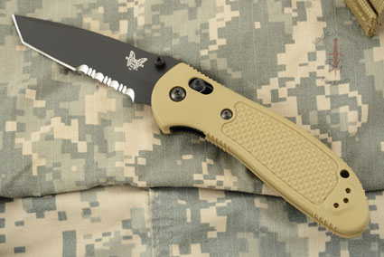 Pardue Griptilian Tanto, Sand with Serrations (553SBKSN)