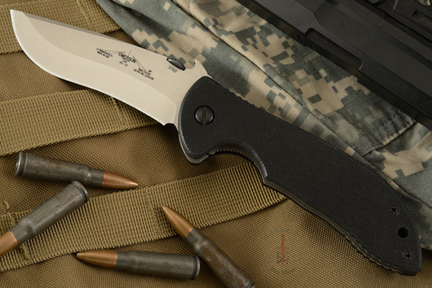 Commander SF<br><i>Best Overall Knife of the Year</i>
