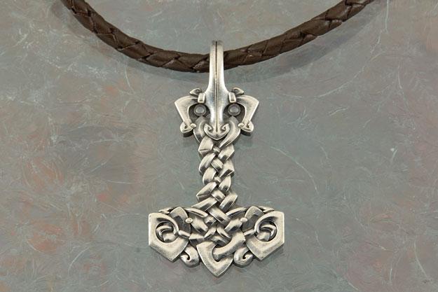 Thor's Hammer (Mjolnir) Nordic Pendant - Silver Edition