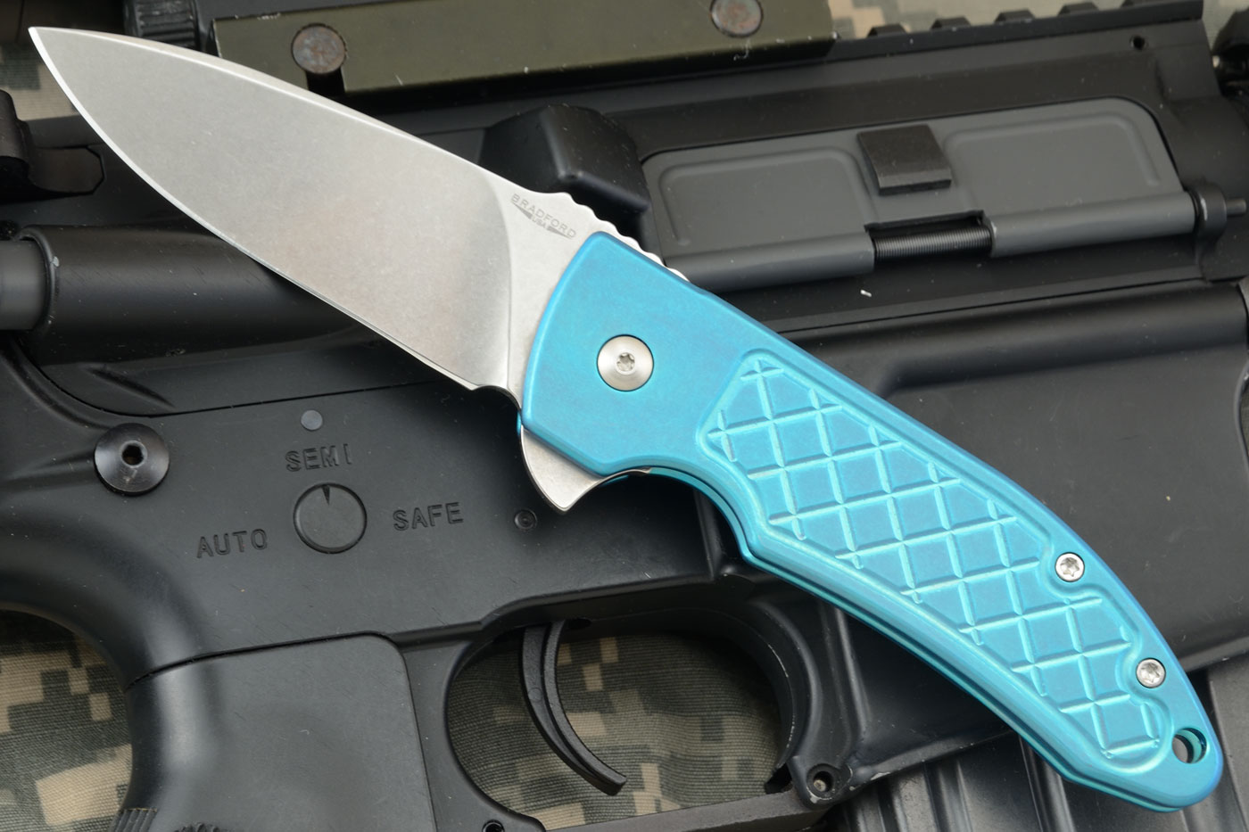 Guardian 3 Flipper with Turquoise Anodized Titanium