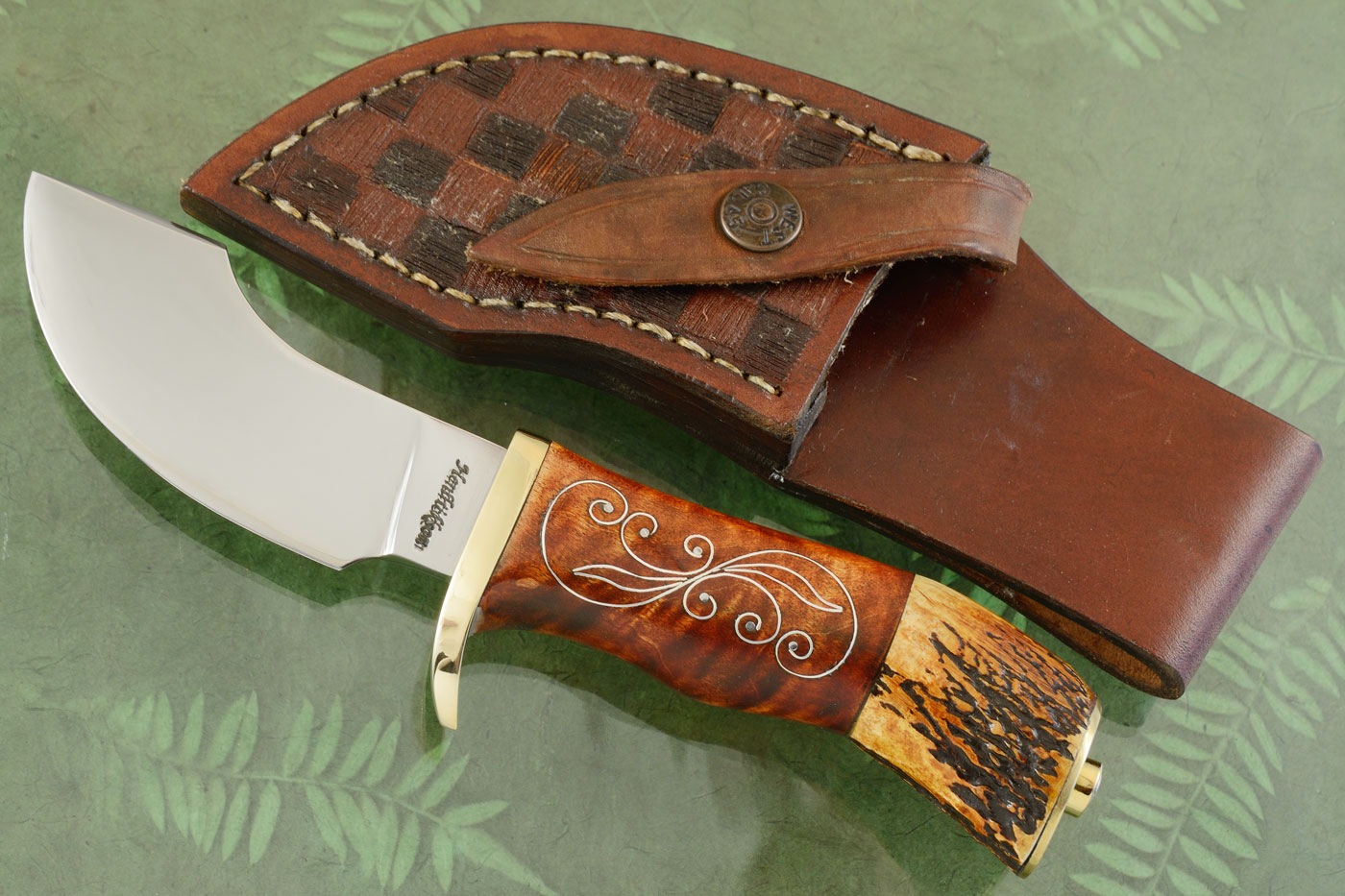 Alaskan Ulu Hunter with Curly Redwood and Indian Stag